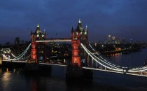 New lighting for London's Tower Bridge unveiled