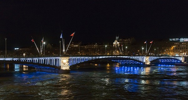 New lighting for Lyon bridges