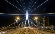 New LED lighting for Rotterdam's iconic Erasmus Bridge